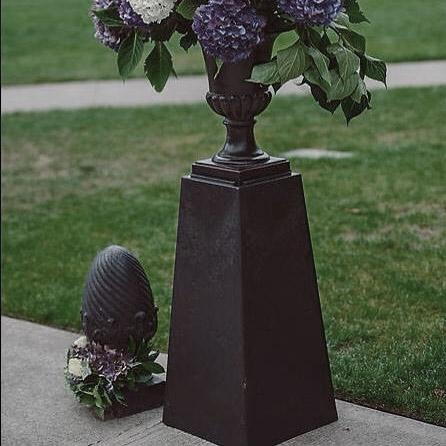 black-urn