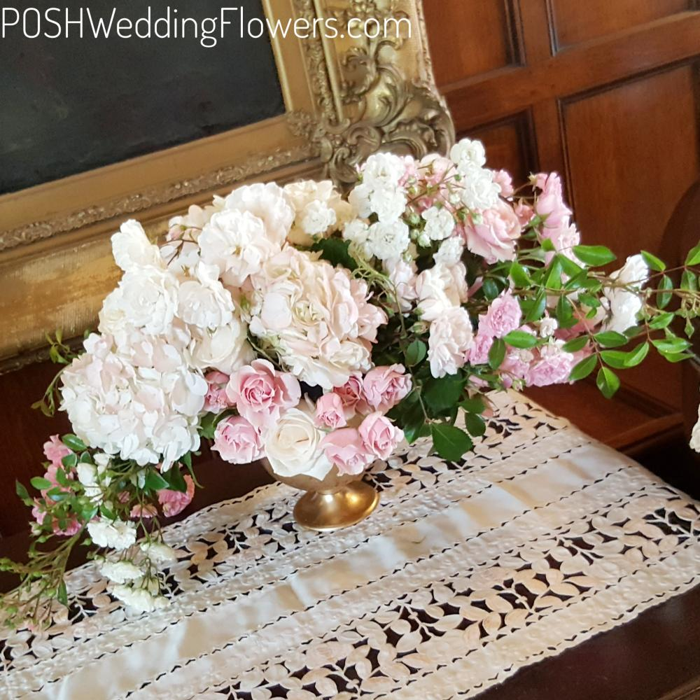 Guestbook table arrangement